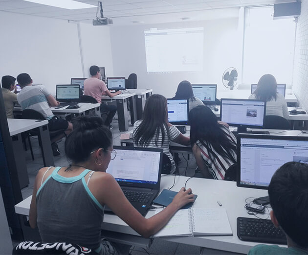 aula de computo curso marketing digital